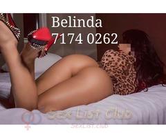 Reina de belleza de pies a cabeza desde Colombia